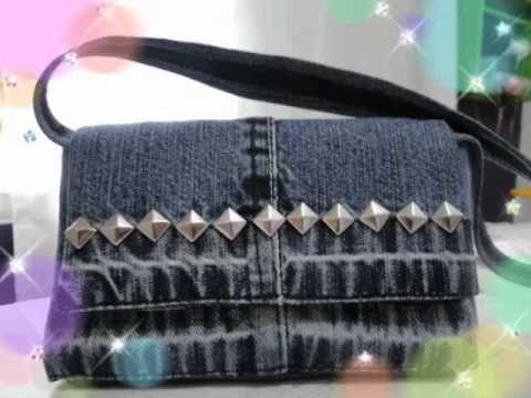 Bolsas confeccionadas com caixa de leite (Handicraft purses made from cartons of milk).