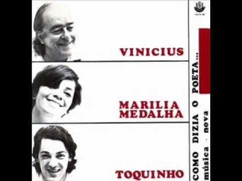 """""""E a coisa mais divina que há no mundo é viver cada segundo como nunca mais"""" Tomara - Vinicius de Moraes"""