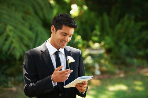 Deliver an exceptional best man speech with this handy structure template. Get examples of icebreakers and opening lines