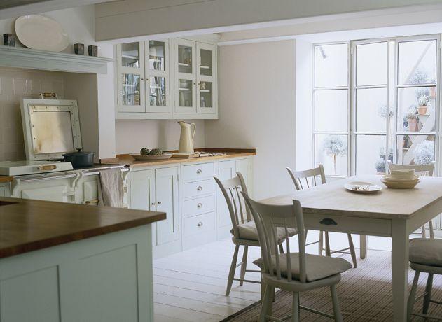Bespoke Country Kitchen - The Spitalfields Kitchen // Source: Plain English Designs