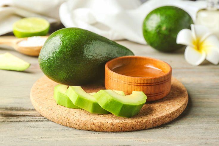 Selbstgemachte Avocado-Aloe Vera Haarkur für trockenes Haar aus nur 3 Zutaten