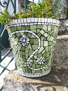 MulticoloredPieces: Mosaics & Garden pots to match the walk way- out of the bathroom tile, smashed