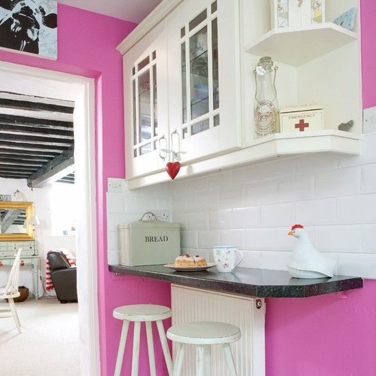 Pink kitchen breakfast bar~ I wonder if the Hubs will go for it?! ;)