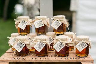 le mini pot de miel en cadeau pour invit une douce id e mariage wedding and reception. Black Bedroom Furniture Sets. Home Design Ideas