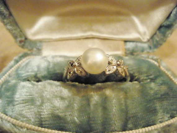 pearl = the engaged to be engaged ring! this one is so pretty!!