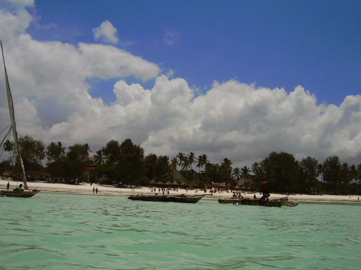 Kiwenga beach  http://www.travelstories.it/2014/02/viaggio-zanzibar-non-solo-mare-non-solo.html  #Zanzibar #Kiwenga #Indianocean #ocean #spiceisland