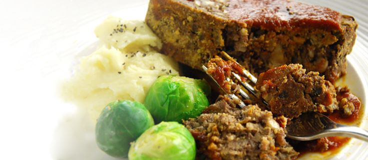 Struggling with an idea for a vegetarian Christmas dinner? This tasty nut roast served with delicious plum sauce could be the answer to your Christmas dinner prayers. It's so good, you may just find yourself making it next year and the year after...