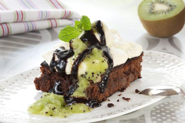 Bakelyst.no: Sjokolade, kremtopping og kiwi er en herlig smakskombinasjon. Her har du oppskriften!