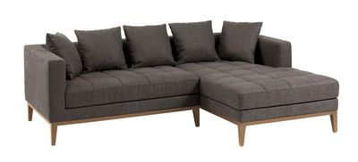 In a grey fabric, the Limoges will look great in a lounge or a conservatory. Contrasting walnut legs add a little something special and the stitch detail on the seat inject the sofa with some homely style. Not to mention its very comfortable too!