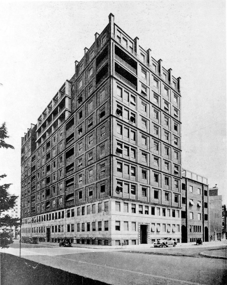 Giovanni Muzio February 12 1893  May 21 1982 was an Italian architect Muzio was born and died in Milan He was closely associated with the fascist Novec