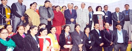 Chief Justice of India Justice T S Thakur posing for photograph with Ministers former teachers and officials of various departments at Central Basic Higher Secondary School on Saturday.