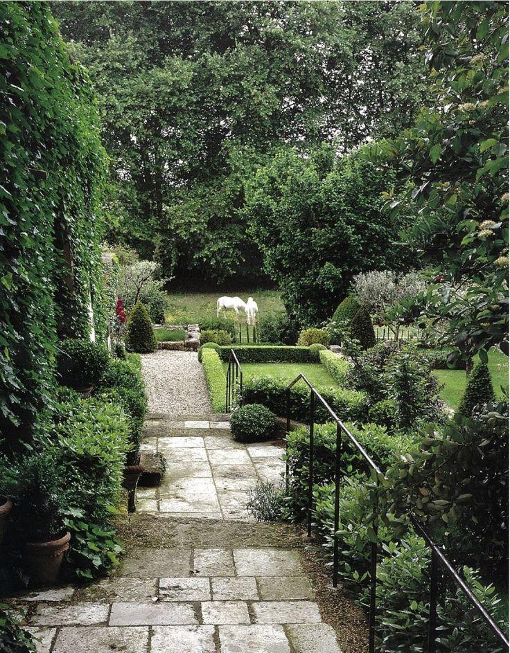...Backyards Privacy, Decor Gardens, Gardens Design Ideas, Gardens Paths, Ideas Gardens, Dreams Backyards, Formal Gardens, Beautiful Pathways, Beautiful Gardens
