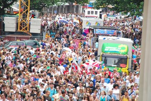 Christopher Street Day München 2012: http://www.dermuenchenblog.de/veranstaltungen/solidaritaet-kennt-keine-grenzen-christopher-street-day-muenchen-2012/