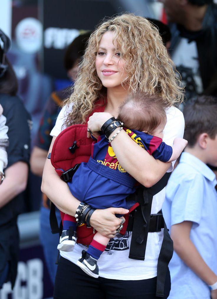 http://www.popsugar.com/celebrity/Shakira-Kids-Gerard-Pique-Soccer-Game-April-2015-37304441