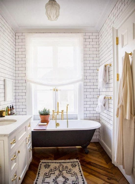 Bathroom-Vintage Tub & Subway Tile |  http://www.fabulishliving.blogspot.ca/2013/10/greenwich-village-townhouse.html