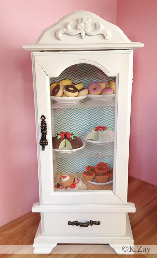 American Girl Doll Bakery by Kim Zay www.AGDesignCraftCreate.blogspot.com Sweet shop | Bakery | Ice cream | Parlor Sweet Treats | Baking Table