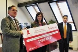 Az Együtt a Leukémiás Gyermekekért Alapítvány 2009. január 15-én 18 millió forintot adott át a Heim Pál Gyermekkórház onkológiai osztályának egy nagyteljesítményű, modern röntgen képerősítő berendezés megvásárlására.