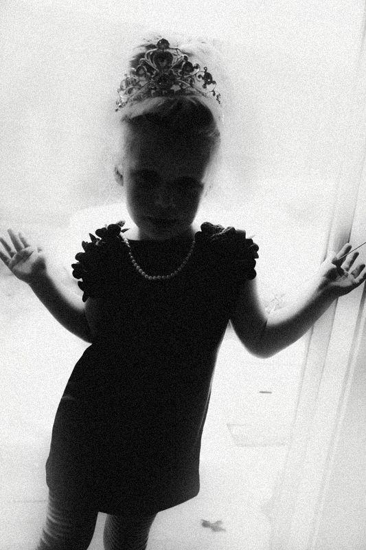 princess, b/w