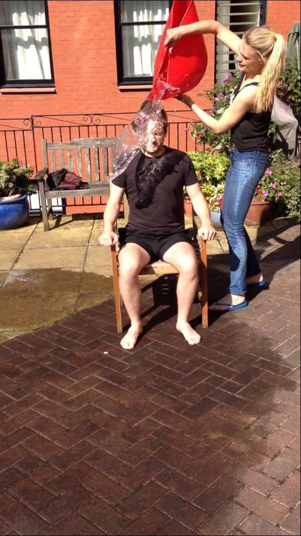 Sean Biggerstaff does the ice bucket challenge