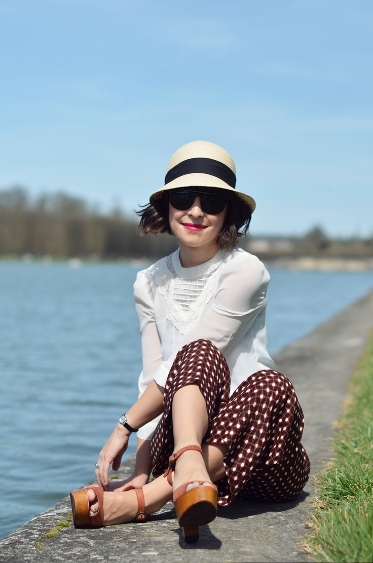 Sunny afternoon in Versailles Helloitsvalentine bicycle outfit french blogger