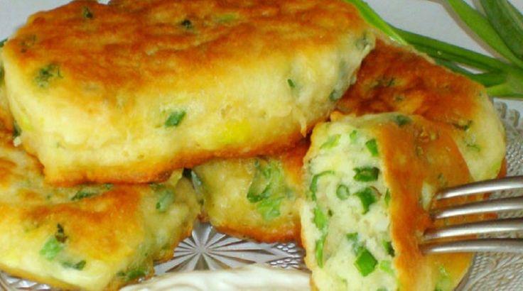 Ingrediente:<br > <br > 300 ml chefir;<br > 12 linguriță bicarbonat de sodiu;<br > 2 ouă fierte;<br > 2 ouă crude;<br > ceapă verde;<br > sare după gust;<br > 1-5 pahare făină<br > Mod de preparare:<br > <br > În chefirul