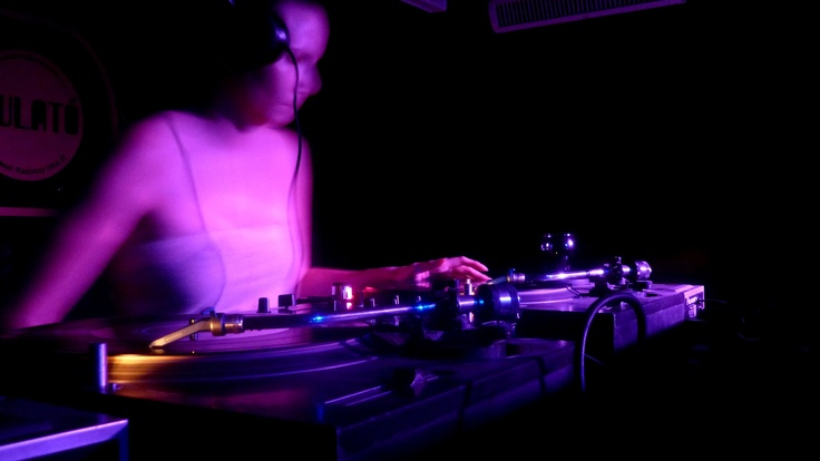 ghost at the decks
