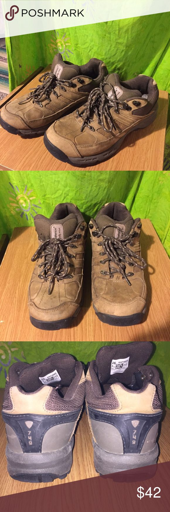 Hiking shoes MENS NEW BALANCE country Great condition. New Balance Shoes