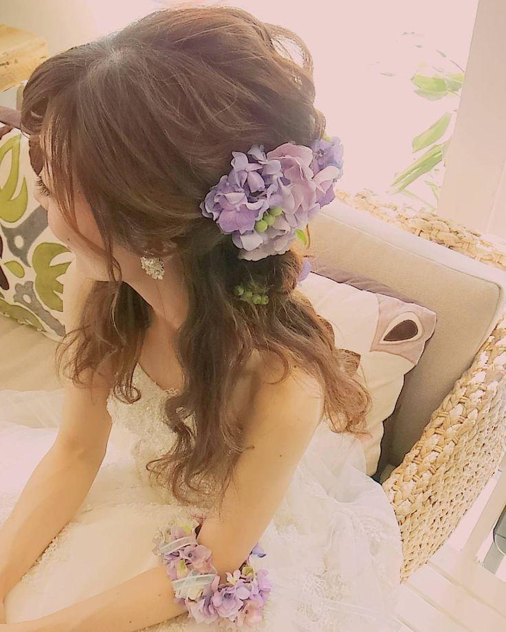 #weddinghair #ウェディングヘア お色直しは波打ちのダウンスタイルに生の紫陽花をつけました * 季節感でますね~。 * 優しくて癒し系なおふたりで今日も楽しかったです #ブライダルヘア#仙台#ヘアメイク#シニヨン#ヘアセット#ウェディングヘア#プレ花嫁#hair#bridalmakeup#hairmake#ハーフアップ#なみなみウェーブ#シニヨン#仙台ヘアメイク