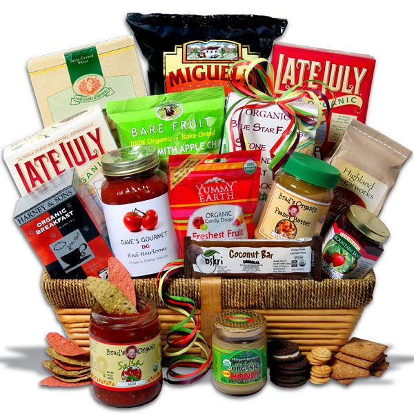 Organic #Food #Gift #Basket (includes snacks, tea, honey, jam, penne, tomato sauce, + pancake mix) - for a more personalized #DIY gift I'd assemble the food myself
