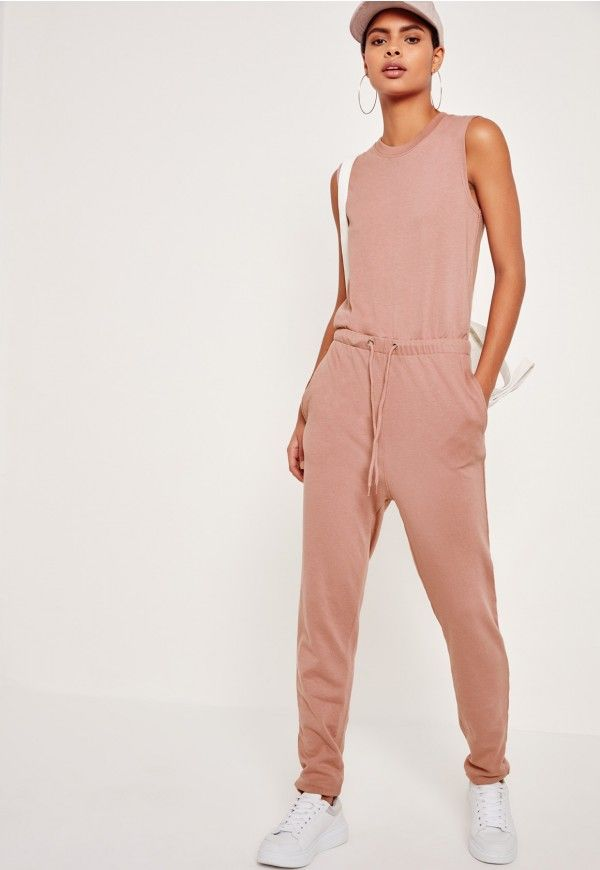 we're all about the jumpsuit here at missguided and this beaut is an easy to throw on wonder. featuring lightweight sweatshirt fabric, two side pockets and in a loose fit, this is a total babe.