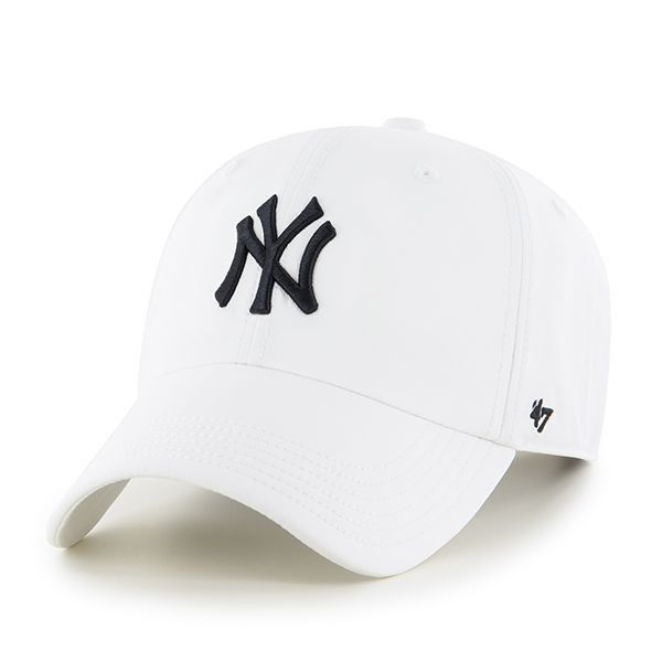 New York Yankees in our super lightweight, comfortable version of the '47 CLEAN UP adjustable hat. Made from lightweight Polyester with raised embroidered team with Micro Velcro strap closure.