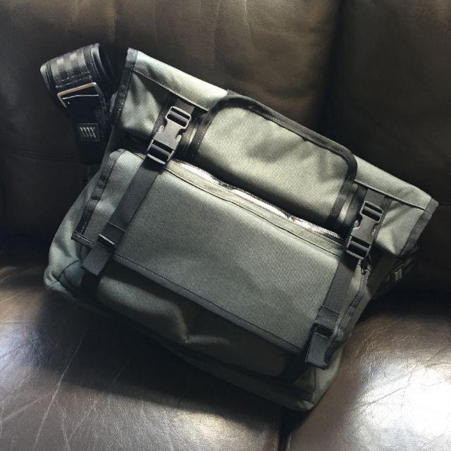 Breez - Mission Workshop Roll Top Messenger Bag