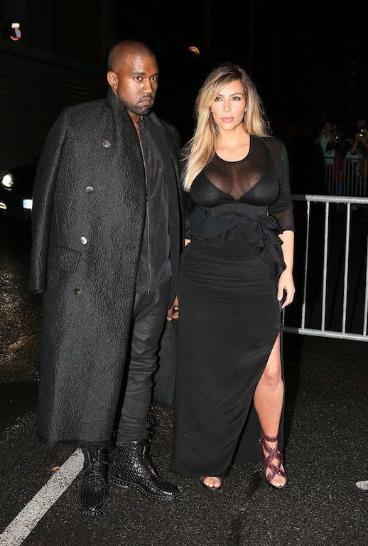 Ρομαντικό ταξίδι για δύο: Η πρώτη τους απόδραση μετά τη γέννηση της κόρης τους έγινε στην Πόλη του Φωτός. Ο Kanye πήγε το κορίτσι του στο Παρίσι για να απολαύσουν τον έρωτα τους αλλά και τις καλοκαιρινές design δημιουργίες a la francaise στην Εβδομάδα Μόδας της γαλλικής πρωτεύουσας. Η Kim είχε προμηθευτεί μια πλούσια γκαρνταρόμπα με τα καλύτερα συνολάκια και κατέπληξε τα πλήθη.