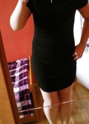 Kup mój przedmiot na #vintedpl http://www.vinted.pl/damska-odziez/krotkie-sukienki/12661367-sukienka-mala-czarna-dopasowana-krotka-uniwersalna