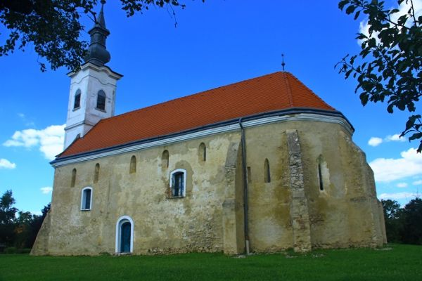 Túronyi Árpád-kori templom :: Magyar Földön
