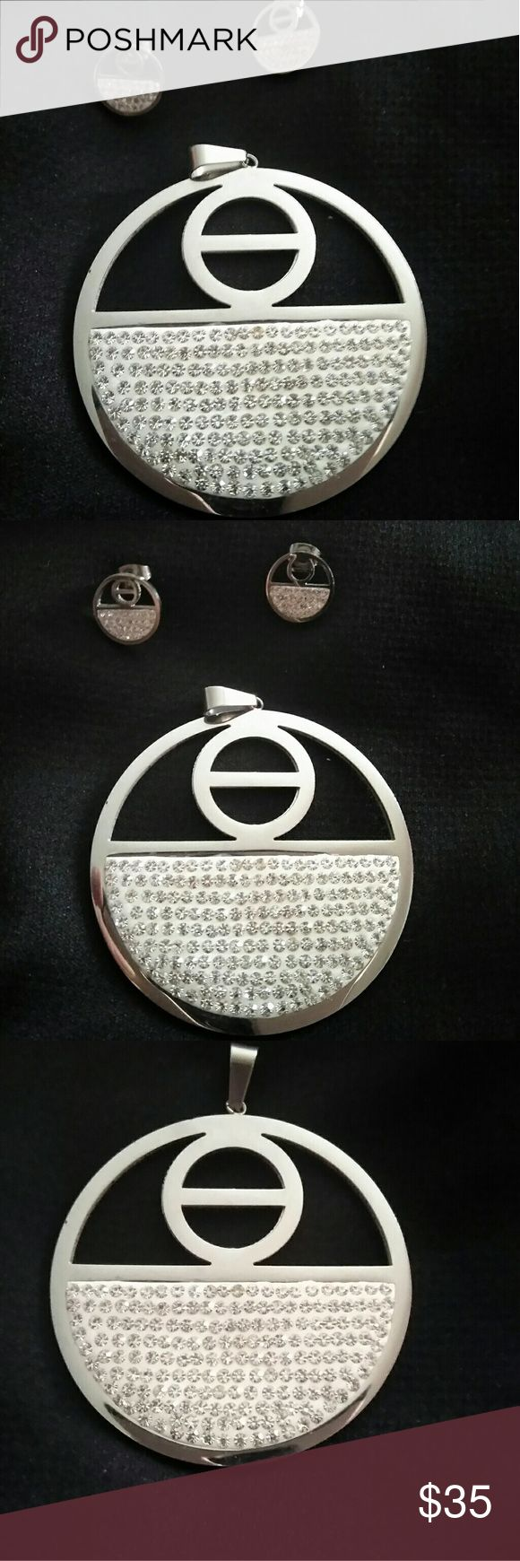 Earrings with its stainless steel necklace Earrings with its stainless steel necklace stainless steel Jewelry Necklaces