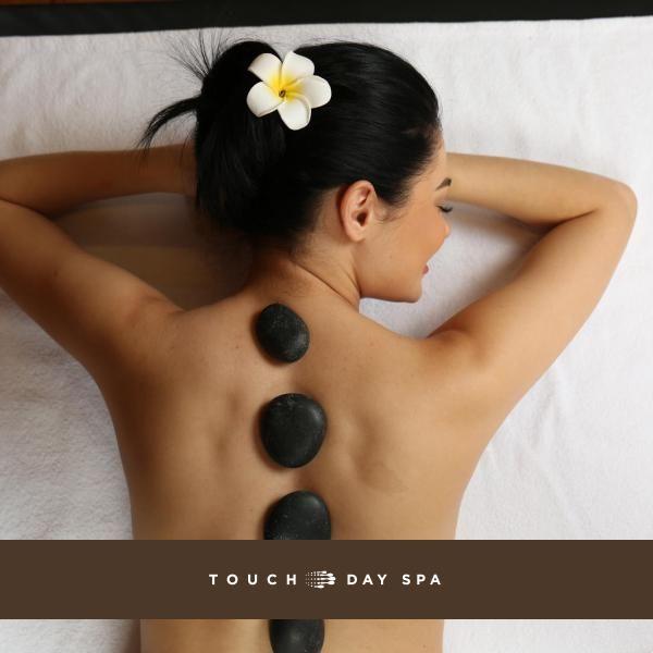 У нас всегда есть чем Вас порадовать! Массаж горячими камнями – Ритуал массажа с использованием горячих камней, выкладываемых на определенные зоны тела, для гармонизации и релаксации нервной системы, снятия мышечной боли и усталости. Стоунтерапия основана на температурном и энергетическом влиянии камней. Камни, применяемые в Ритуале, сделаны из базальта, наиболее эффективны для снятия стресса, депрессии, общего расслабления организма. Эффектом от массажа станет избавление от мышечных болей…