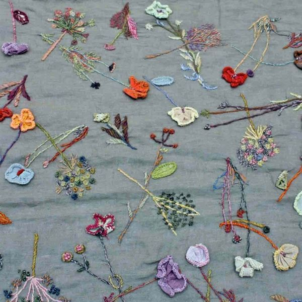 Hand embroidered linen scarf by SOPHIE DIGARD PARIS - DNC INTERNATIONAL - Product Showroom