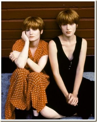 jennifer jason leigh & bridget fonda