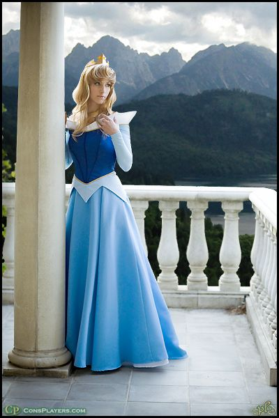 Aurora cosplay. FINALLY! Someone gets it right! Merryweather would appreciate :) -agreed make it blue!
