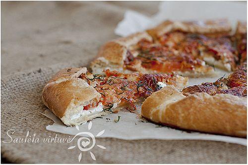 Pomidorų, kumpio ir sūrio galetė (3) by Saulėta virtuvė, via Flickr