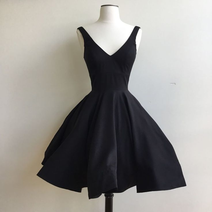 black party dresses,women's cocktail dress,graduation dress,vintage swing dress,Elegant Party Gowns