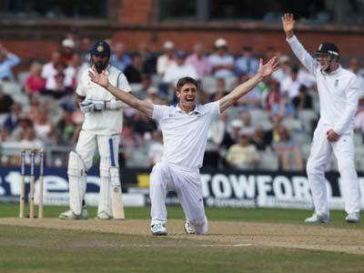 England crush India to take lead