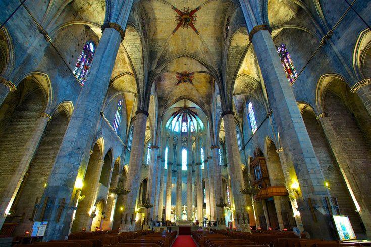 Church_of_Santa_Maria_del_Mar.jpg 5.616×3.744 píxeles