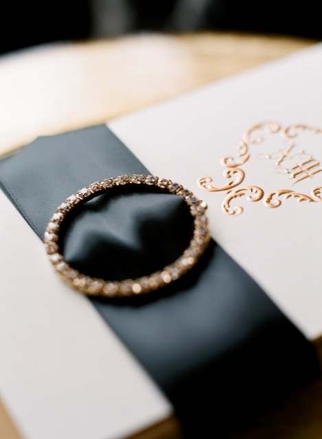 """A bit too precious, but pin is interesting element on ribbon. Package seems """"special"""""""