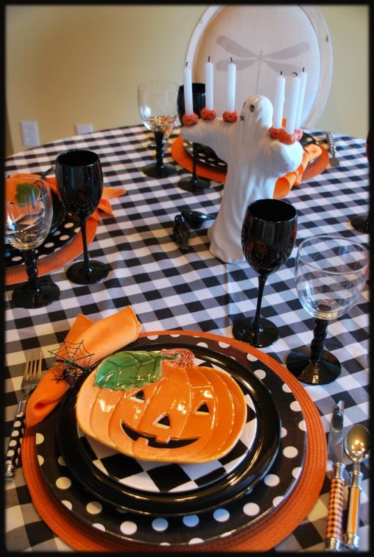 Two Whimsical Halloween Tablescapes. Dinner Table SettingsHalloween ... Part 6