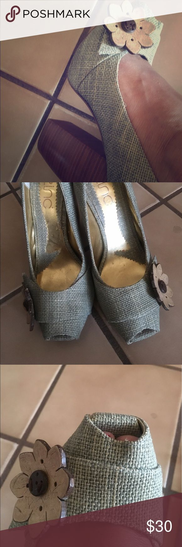Women's peep toe chunky heel shoes. Women's peep toe chunky heel shoes. Mint  cute & comfy, with flower detail. Like New, One of a Kind! Without original shoe box. zinc Shoes Heels
