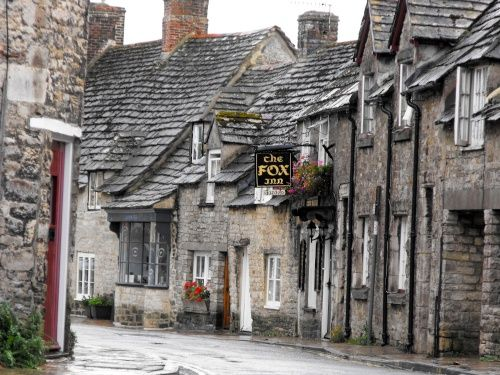 The Fox Inn - reputed to be the oldest pub in Corfe - 1568
