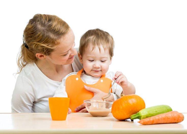 Nutrición e Infancia - Parte 2 -  Infancia Recomendaciones generales  Es importante comer de todo, variar las comidas, tratar de hacerlas atractivas y disimular inicialmente los alimentos que el niño rechaza. Realizar unas cinco comidas diarias: tres principales (desayuno, comida y cena) y dos más ligeras (mediamañana y mer...