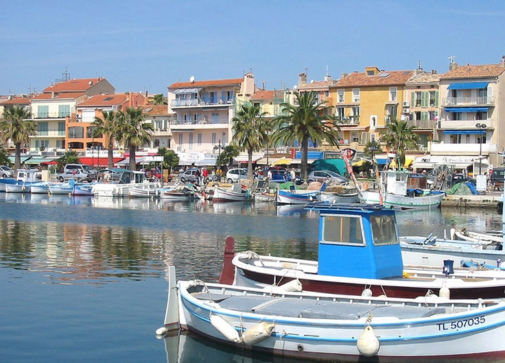 Bandol's colorful waterfront, I want to go back!